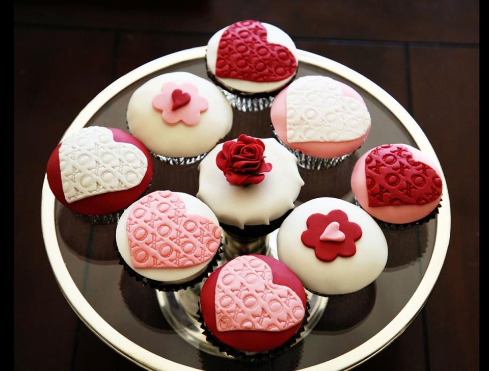 Valentine\'s Day Cake For Sale