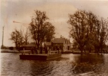 Surlingham Ferry 04